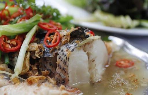 Cá chép hấp bia với những thớ thịt săn chắc, ngon và vô cùng ngọt