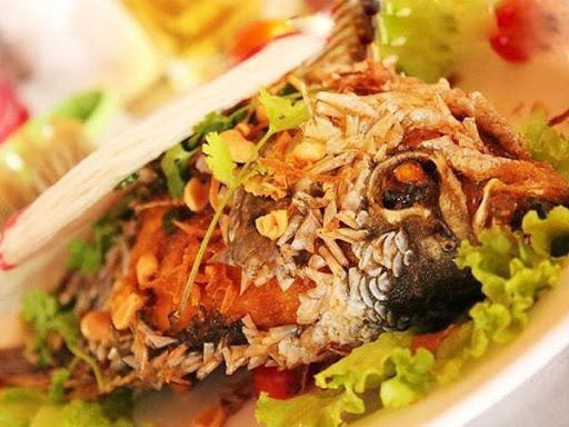 Trình bày và trang trí cá chép rán ra đĩa