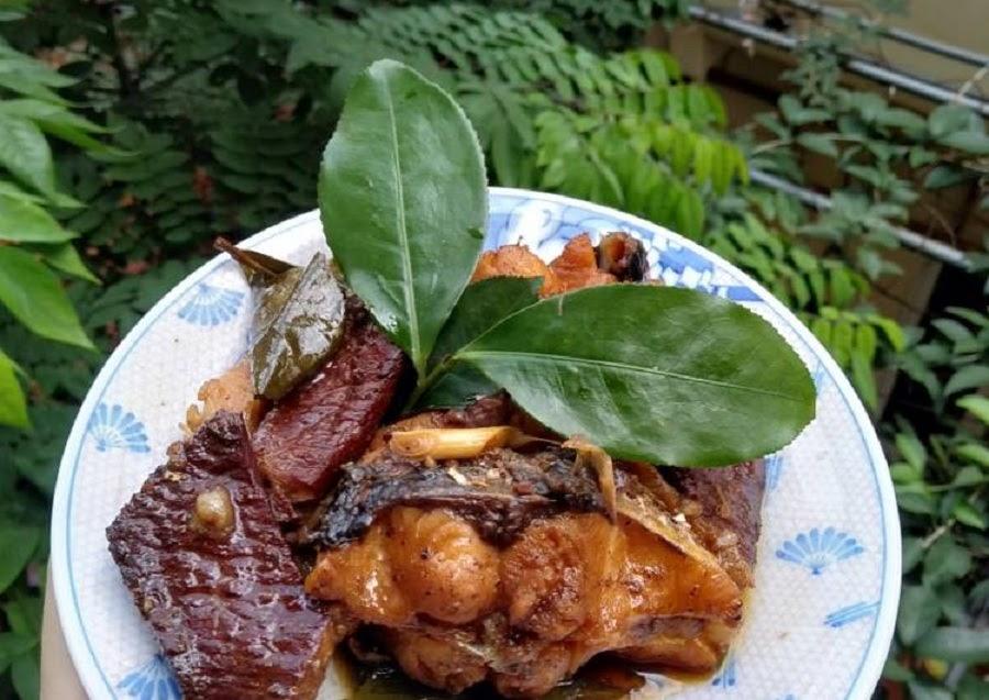 Cá chép kho lá trà xanh - món ăn mới lạ đầy thú vị